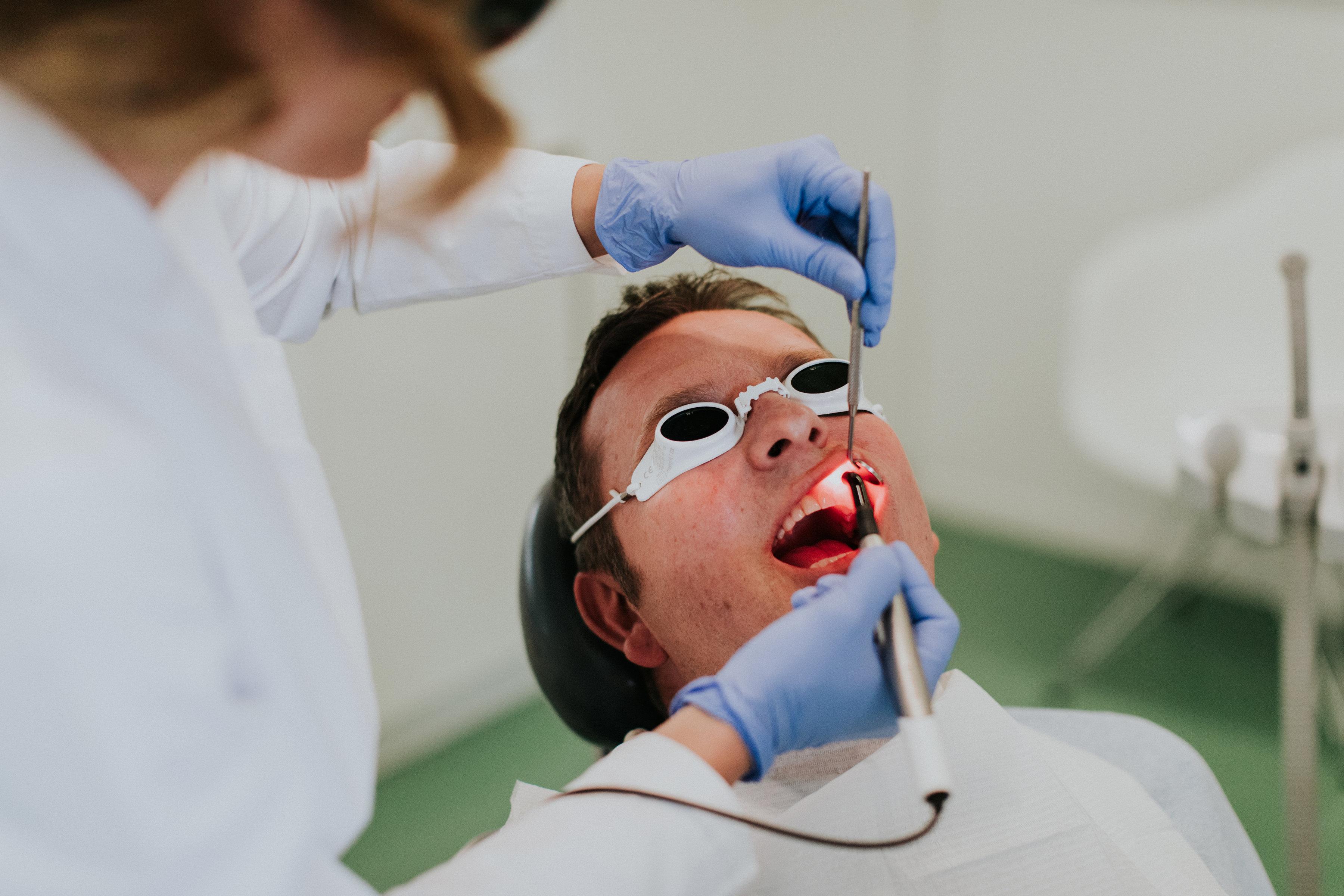 dentalni laser, laserski zahvati, liječenje zuba laserom, ordinacija sanja vuić, zagreb
